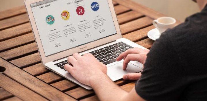 website traffic laptop